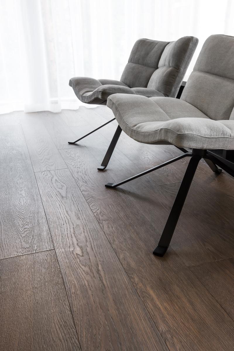 Custom hardwood flooring in pinewood