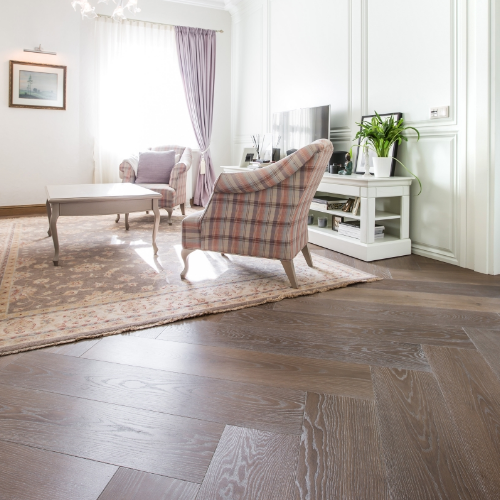 Luxury flooring, oak flooring, Herringbone floors, Herringbone pattern floors, modern herringbone floors, oak planks, engineered oak flooring, Luxury interiors, luxury made, bespoke flooring, custom-made flooring, interior design ideas, flooring in interior, wood floors carpet, herringbone installation