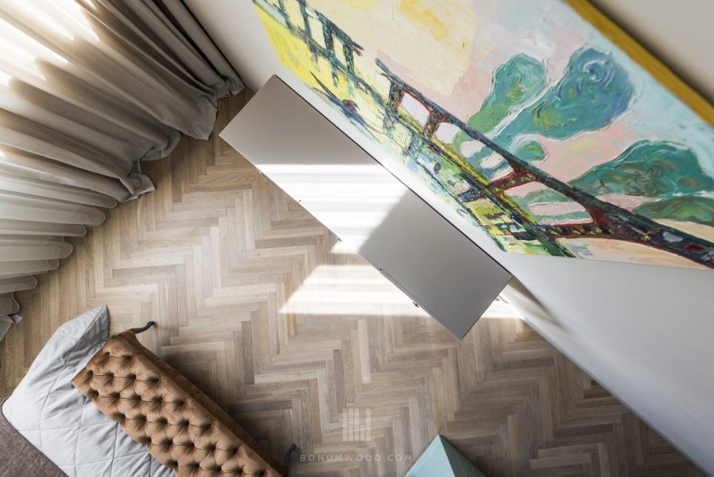 Smulkaus eglutės rašto parketlentės, smulki eglutė grindys, medinės egltuės rašto grindys